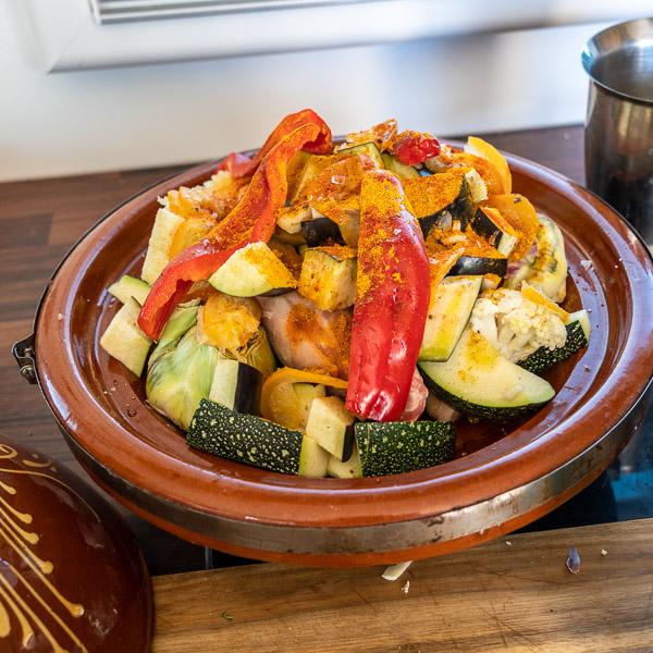 Intervallfasten: Variationen von Gemüse und fettarmes Fleisch - hier aus der Tajine