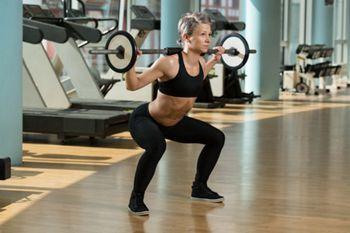 Kniebeugen: Langhantel Training